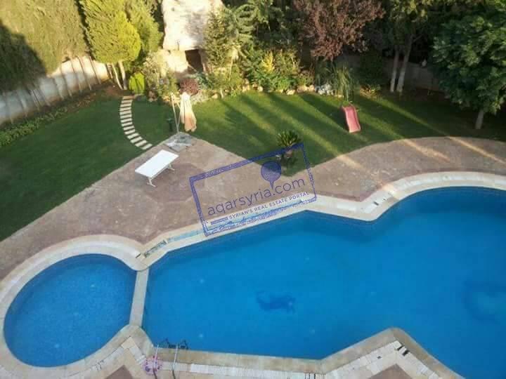 فيلا فخمة للبيع ، مساحة 2200 م، مسبح ، جاكوزي ، صالة حفلات وغيرة