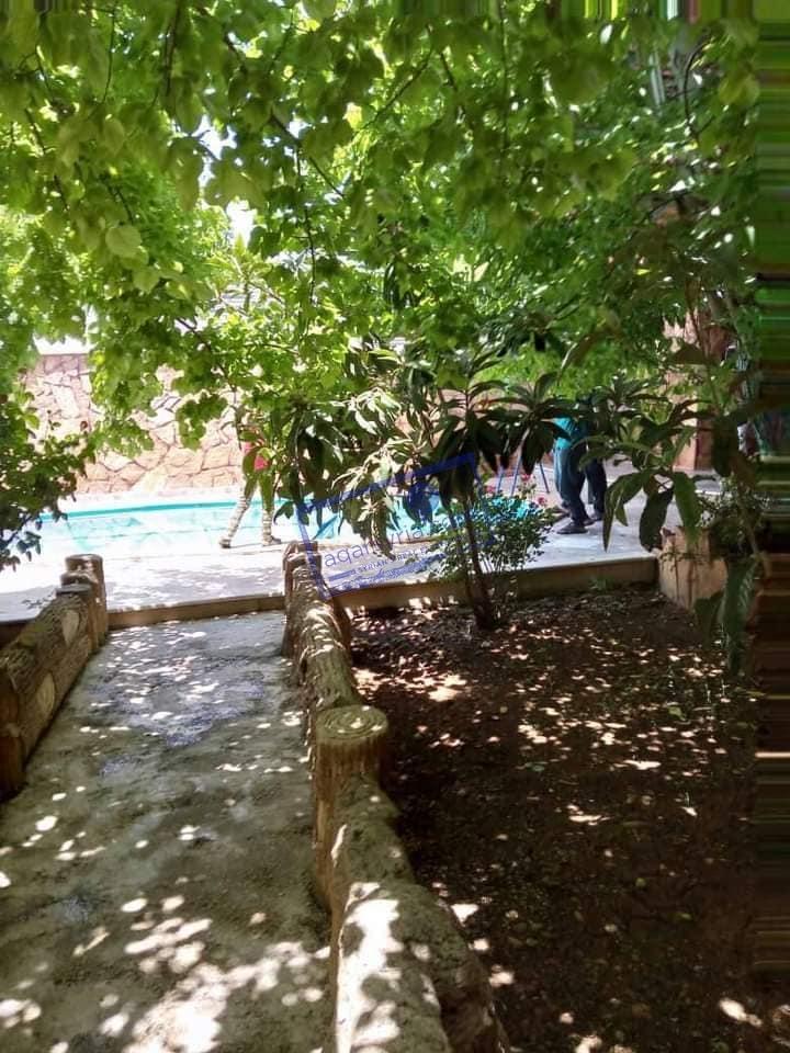 مزرعة مع مسبح للايجار