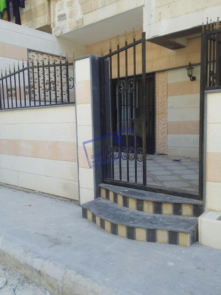 شقة للبيع طابق ارضي مساحة ١٣٥م